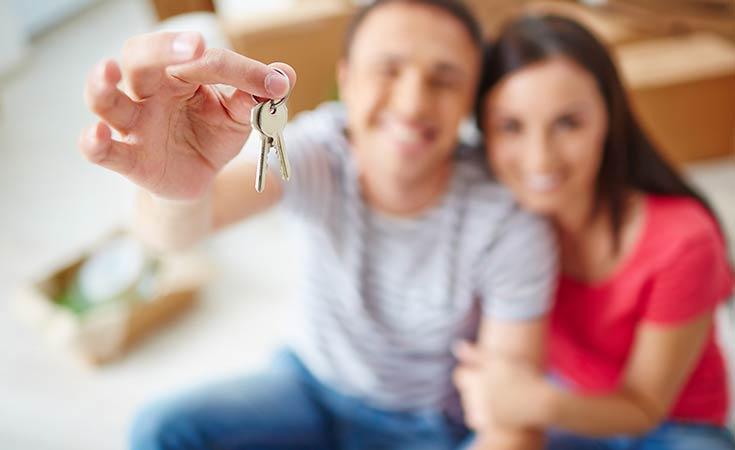 Inquilinos con llaves de su piso